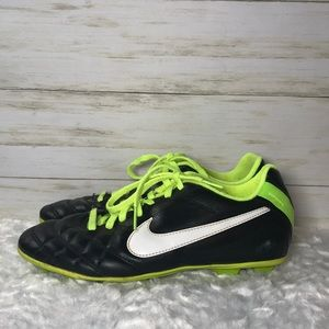 Nike Tiempo natural leather soccer cleats 4.5Y